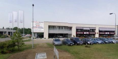 Sventato Il Tentativo Di Sfondare La Vetrata Della Concessionaria Audi Zentrum Di Via Varese A Saronno